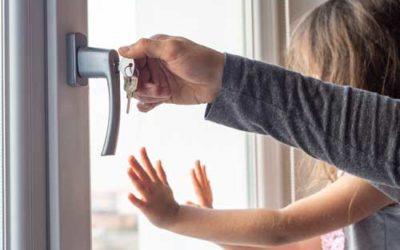 Comment débloquer une serrure de fenêtre ?
